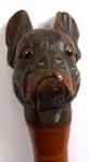 Vycházková hůlka s hlavou psa, pohyblivá ústa