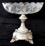 Stříbrný podstavec s broušenou mísou