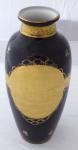 Kobaltová váza, zlacený reliéfní medailon - Anton Weidl, Karlovy Vary