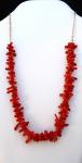 Zlatý řetízek z náhrdelníkem ze sekaného červeného mořského korálu