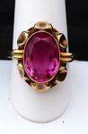 Zlacený stříbrný prsten z růžovým kamenem