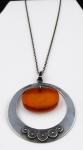 Stříbrný náhrdelník, kruh a oválný jantar