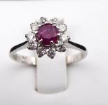 Prstýnek, kytička s rubínem a diamanty 0,30 ct