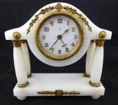 Stolní alabastrové sloupkové hodiny, s budíkem