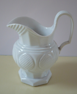 Mléčenka biedermeierová - Míšeň (1).JPG