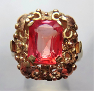 Zlatý prstýnek se světle cihlovým kamínkem (1).JPG