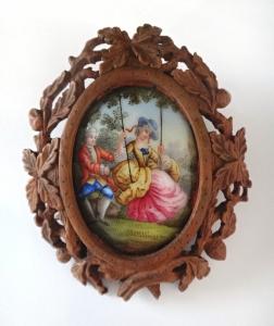 Brož s porcelánovou malovanou miniaturou (1).JPG