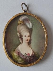 Miniatura dámy s peřím - Monogram P. A. H (3).JPG
