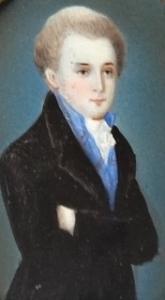 Miniatura muže v dlouhém kabátě  (2).JPG