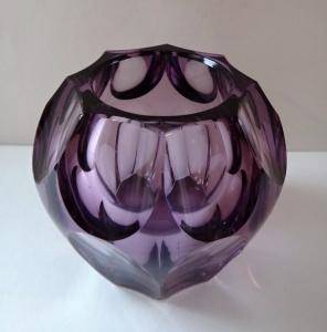 Malá fialová vázička - Moser (2).JPG