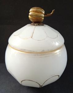 Cukřenka z alabastrového skla (1).JPG