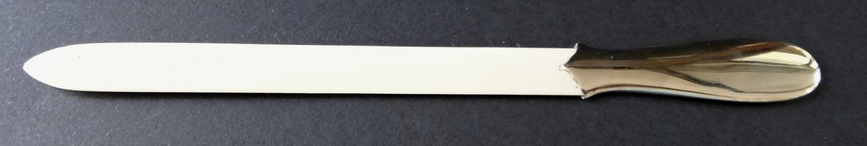 Postříbřený otvírač dopisů (1).JPG