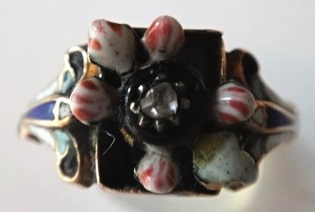 Prsten se smalty, lístky a diamantem (4).JPG
