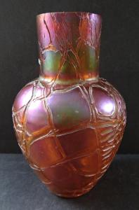 Secesní irizovaná vázička - Palme König (1).JPG
