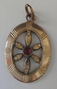 Přívěšek z pozlaceného kovu (1).JPG