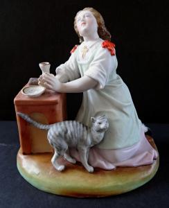 Klečící dívka s kočičkou (1).JPG