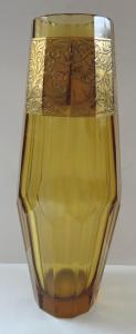 Váza se zlaceným reliéfem - ambrové sklo (1).JPG