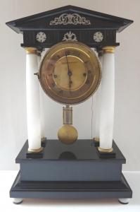 Malé sloupkové hodiny - Biedermeier (1).JPG