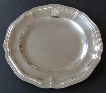 Stříbrný tác s erbem - Paříž 1885 - 1887 (1).JPG