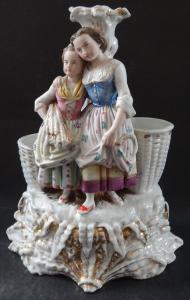 Figurální svícen s ženou a dívkou - žně (1).JPG