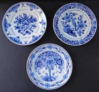 Tři fajánsové talířky - Delft (1).JPG