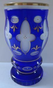 Pohár z mléčného a modrého skla (1).JPG