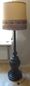 Stojací lampa, v art dekovém ornamentálním stylu (1).JPG