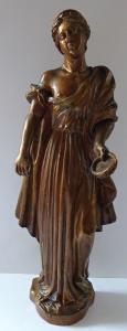 Dřevěná zlacená soška antické dívky (1).JPG