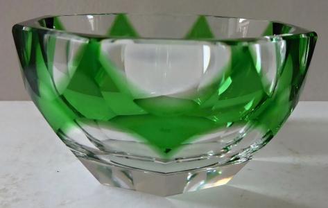 Malá mistička se zeleným sklem - Moser (1).JPG