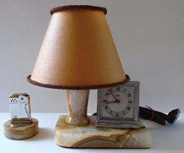 Stolní lampička, s hodinami a zapalovačem (1).JPG