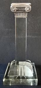 Skleněný svícen, se stříbrnou jónskou hlavicí (1).JPG