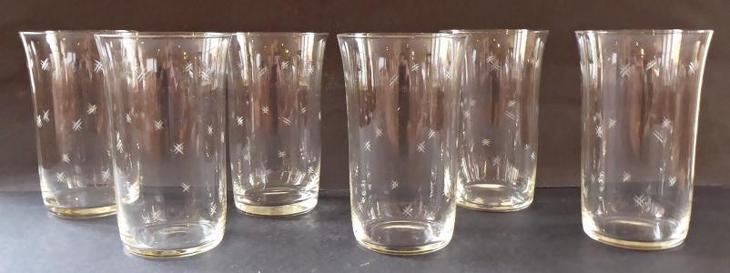 Šest skleniček na vodu, s ornamentem (1).JPG