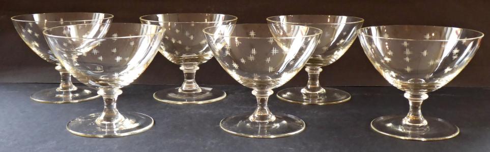 Šest skleniček na šampaňské, s ornamenty (1).JPG