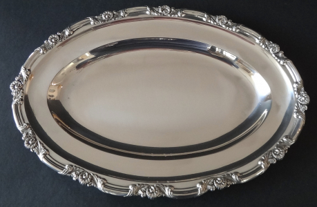 Oválný stříbrný tác, biedermeier - Stephan Mayerhofer, Vídeň 1835 (1).JPG