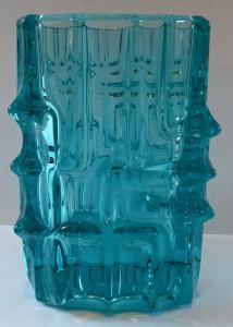 Světle modrá váza - Vladislav Urban, Rosice (1).JPG