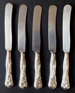 Pět menších stříbrných nožů - biedermeier (1).JPG