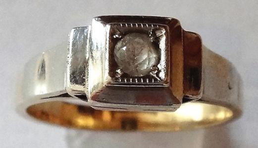 Prstýnek z bílého a žlutého zlata, s broušeným kamínkem (1).JPG