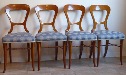 Čtyři židle se světlou intarzií - Biedermeier (1).JPG