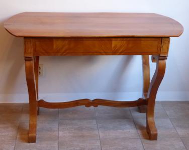 Biedermeierový stůl v třešňové dýze (1).JPG