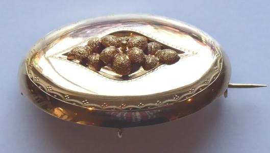 Zlatá oválná brož, s květem - Biedermeier (1).JPG