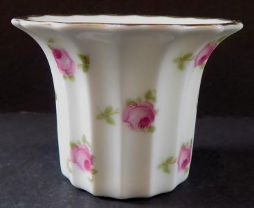 Porcelánový květináček, s růžemi - Rosenthal (1).JPG