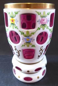 Pohár, sklenice, s malovanými květy - bílé a světle fialové sklo (1).JPG