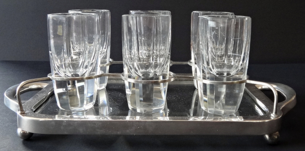 Stříbrný podnos se stojínky a šesti skleničkami - Theodore Müller, Weimar (1).JPG