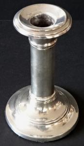 Menší stříbrný svícen - Charles Boyton & Son. , Londýn 1906 (1).JPG