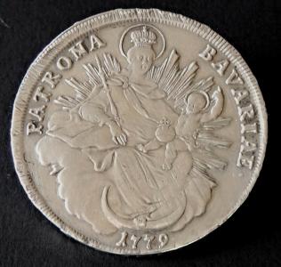 Stříbrná mince, brož - Bavorsko, rok 1779 (1).JPG