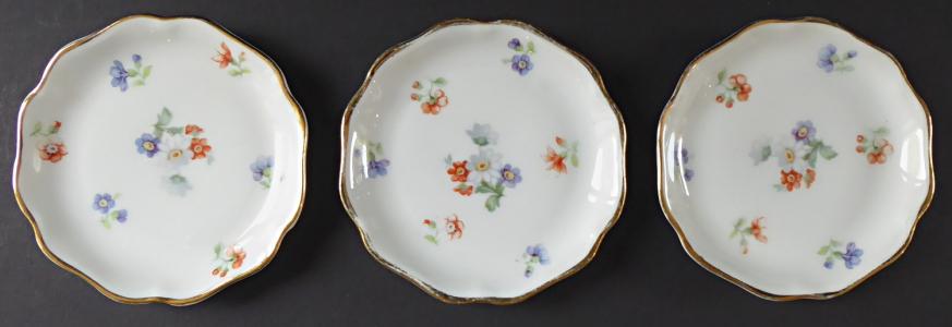 Tři malé mističky, s květinami - Rosenthal (1).JPG