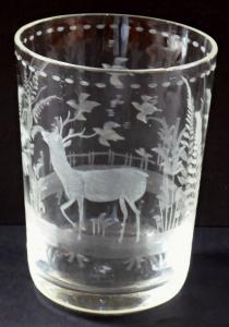 Číška s jelenem, ptáčky a stromem (1).JPG