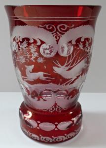 Sklenice s rubínovou lazurou, jelenem s laní a ptáčkem (1).JPG