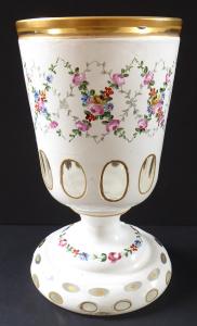 Sklenice z mléčného skla, malované růže - masivní patka (1).JPG