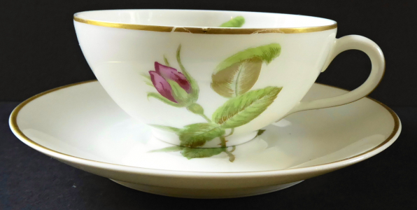 Moka šálek s růžemi Du Bengale - Paříž (1).JPG